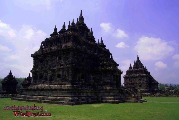 Candi Plaosan Prambanan nampak depan