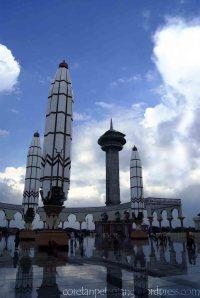 Shawdow Masjid Agung Jawa Tengah