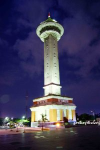 Menara Masjid Agung Jawa Tengah Malam Hari.