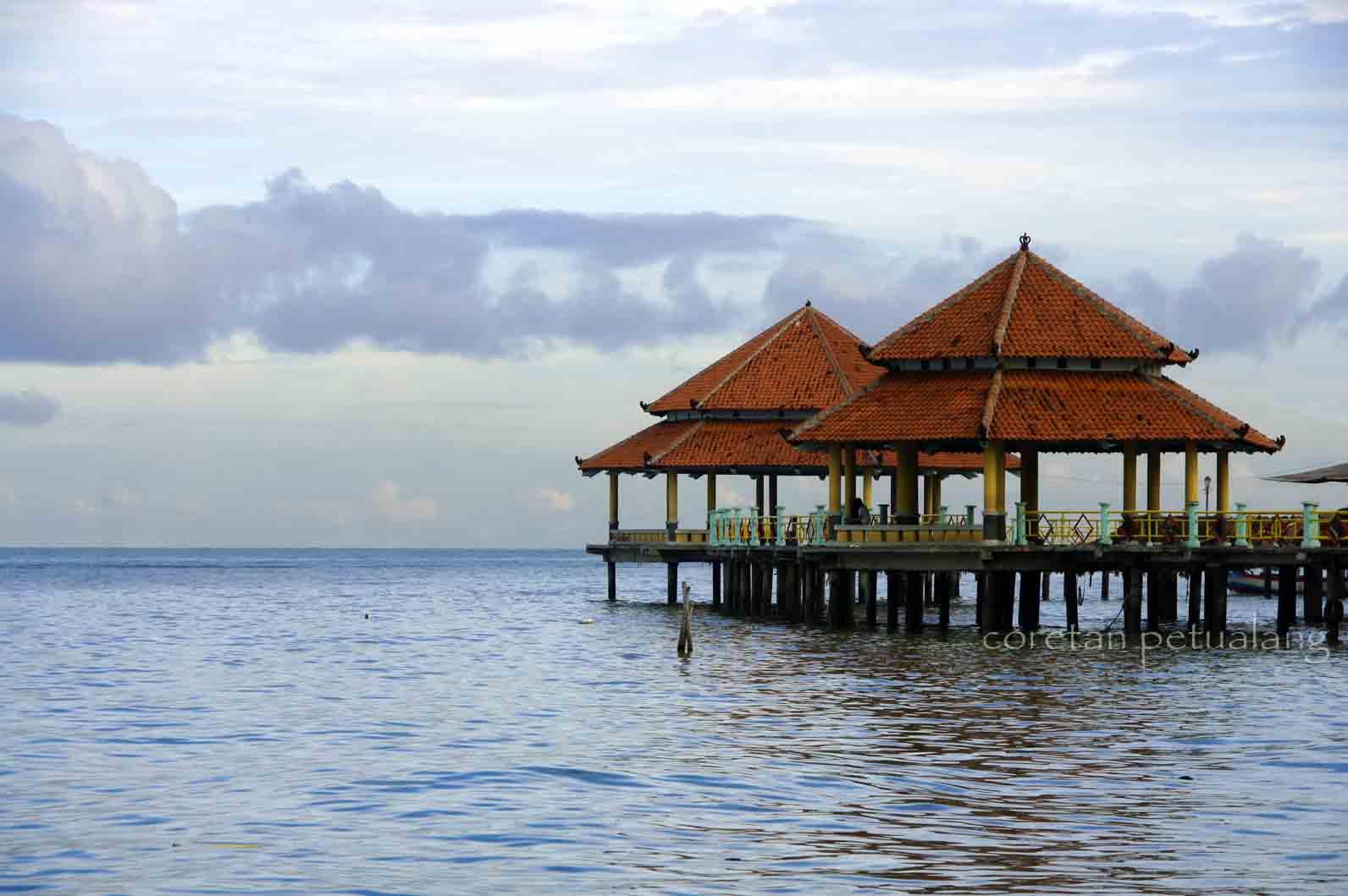 Asyiknya Pantai \u201cKuraKura\u201d Kartini di Laut Jepara  coretanpetualang\u002639;s Blog