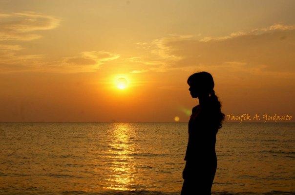 Gadis Petualang Pantai