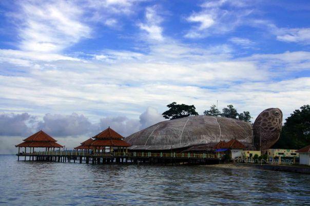 Kura-Kura Ocean Park dan Dermaga Pantai Kartini