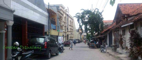Sudut jalan Masjid Ampel